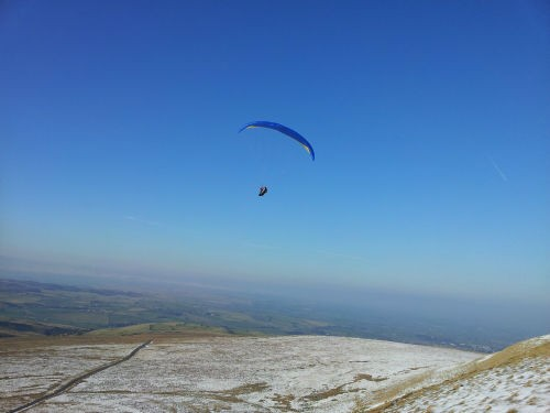 Jim Flying the Gin Oasis Large Tailbridge w500 h500